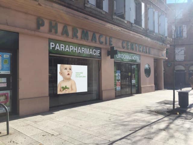 Ecran led vitrine pharmacie Albi