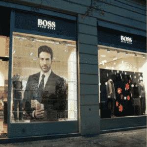 ecran transparent en vitrine de boutique