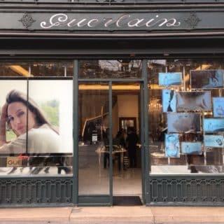 ecran led vitrine boutique paris
